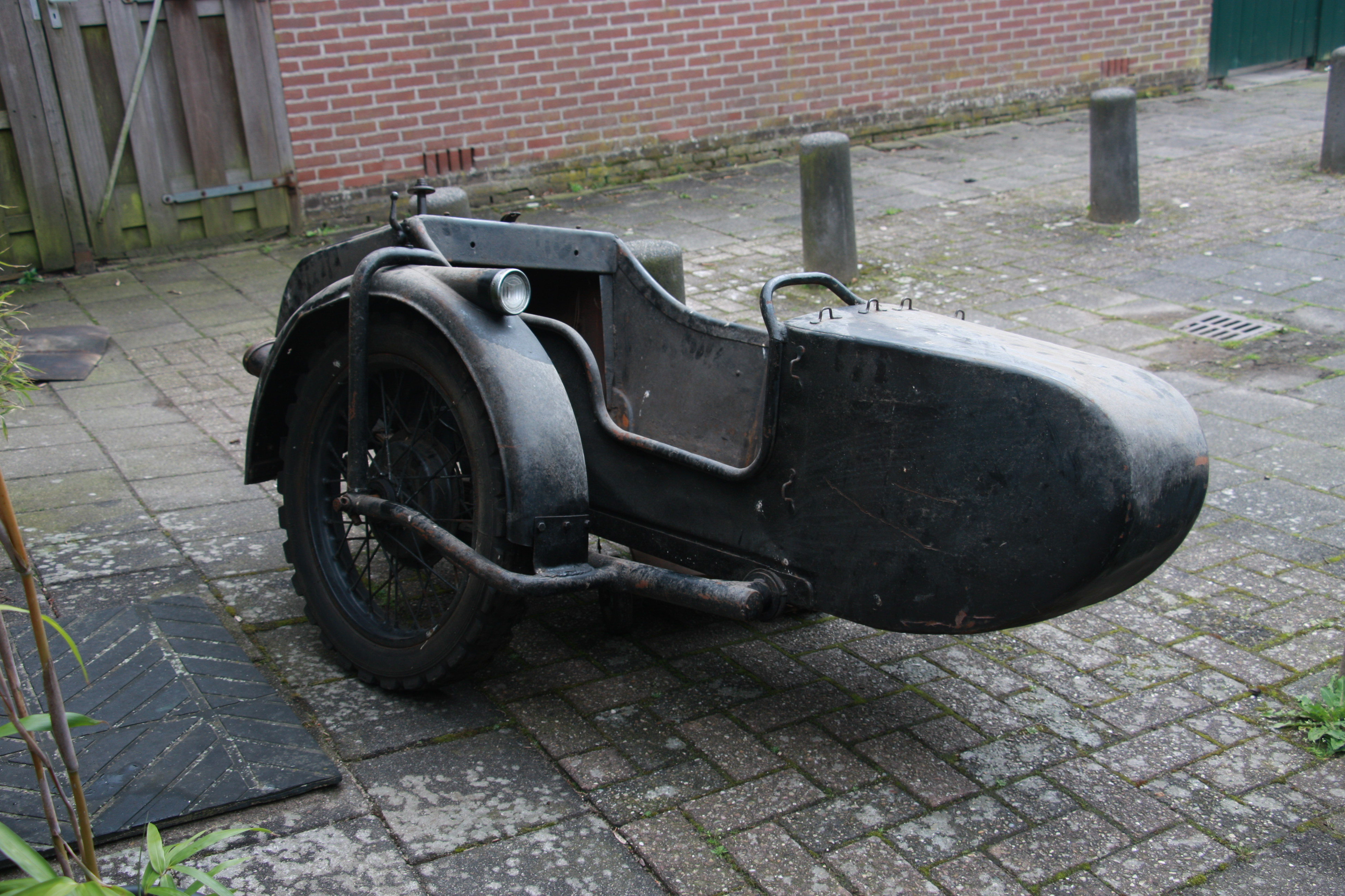 Old type sidecar